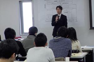 東京でおすすめの名医、研修会をする様子