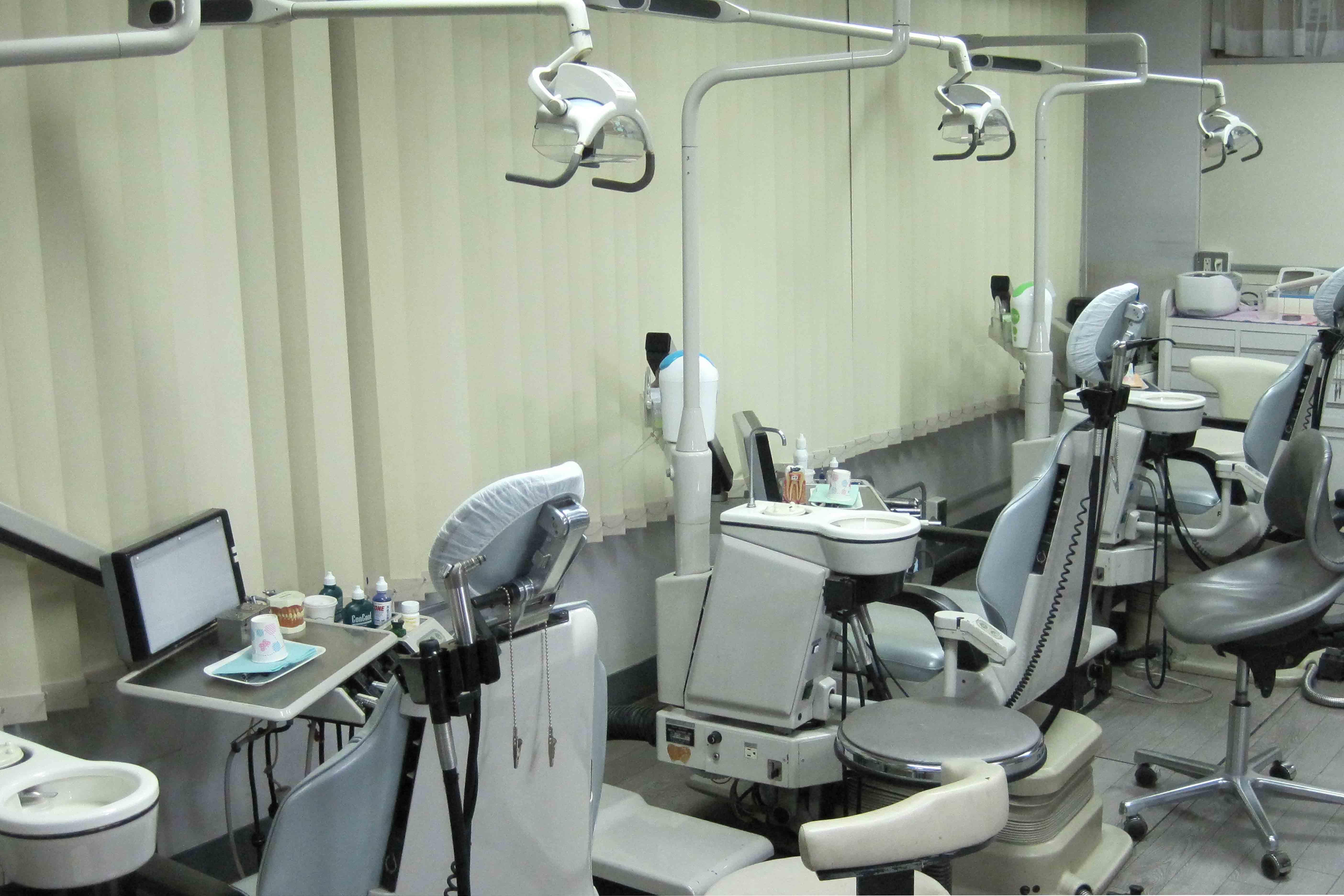 東京駅、大手町の日本ビル歯科の診療室風景